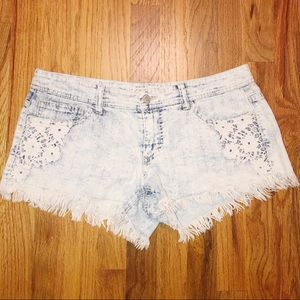 Mossimo Supply co 8 crochet Denim Shorts